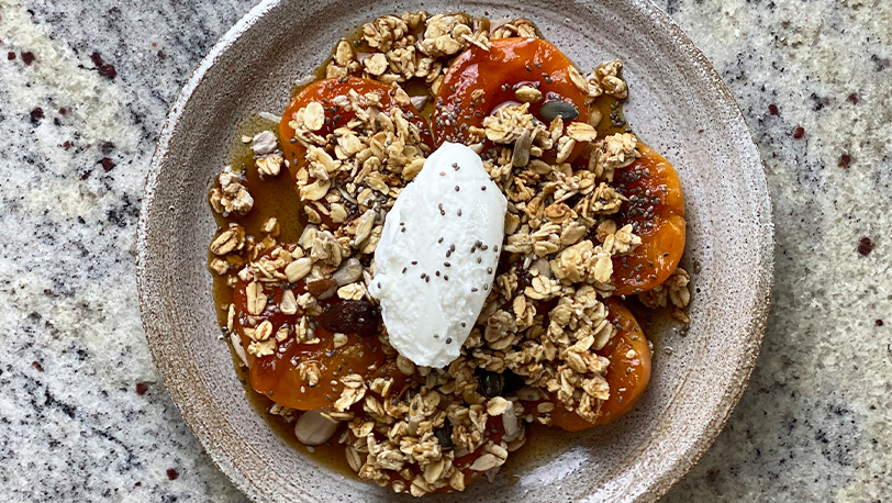 Apricot and Pistachio Breakfast Crumble